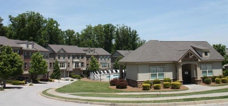 laurel-landing-buford-townhome-community